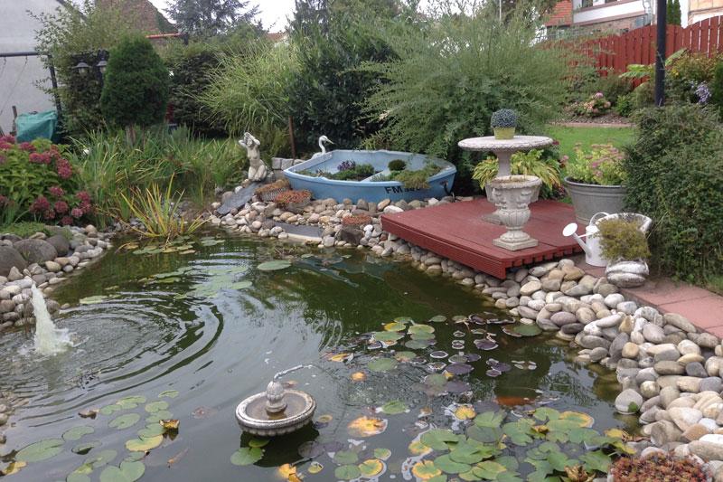 Teich im Garten - Business Hotel Garni Raunheim