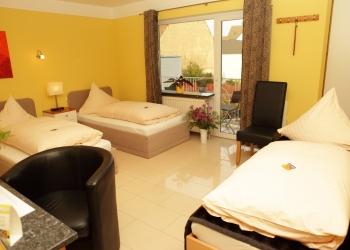 Dreibettzimmer bei Business Hotel Raunheim